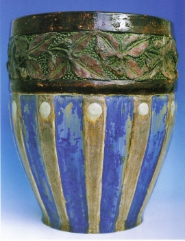116.J Grande jardini&egrave;re Vigne<br/>epoque 1900 - H: 36cm - valeur : 12000&euro;