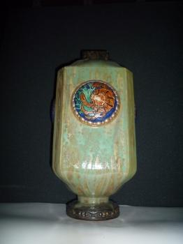 Vase La Mer (4 m&eacute;daillons), mod&egrave;le de Lexy<br/>Valeur 6000&euro;