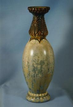 317.J Vase - Gr&egrave;s blanc, &eacute;mail &egrave; cristallisations<br/>Valeur : 4500&euro;