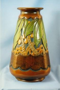 274.J Vase Oasis - Georges Condé - Grès porcelanique blanc émaillé<br/>Valeur : 5000€